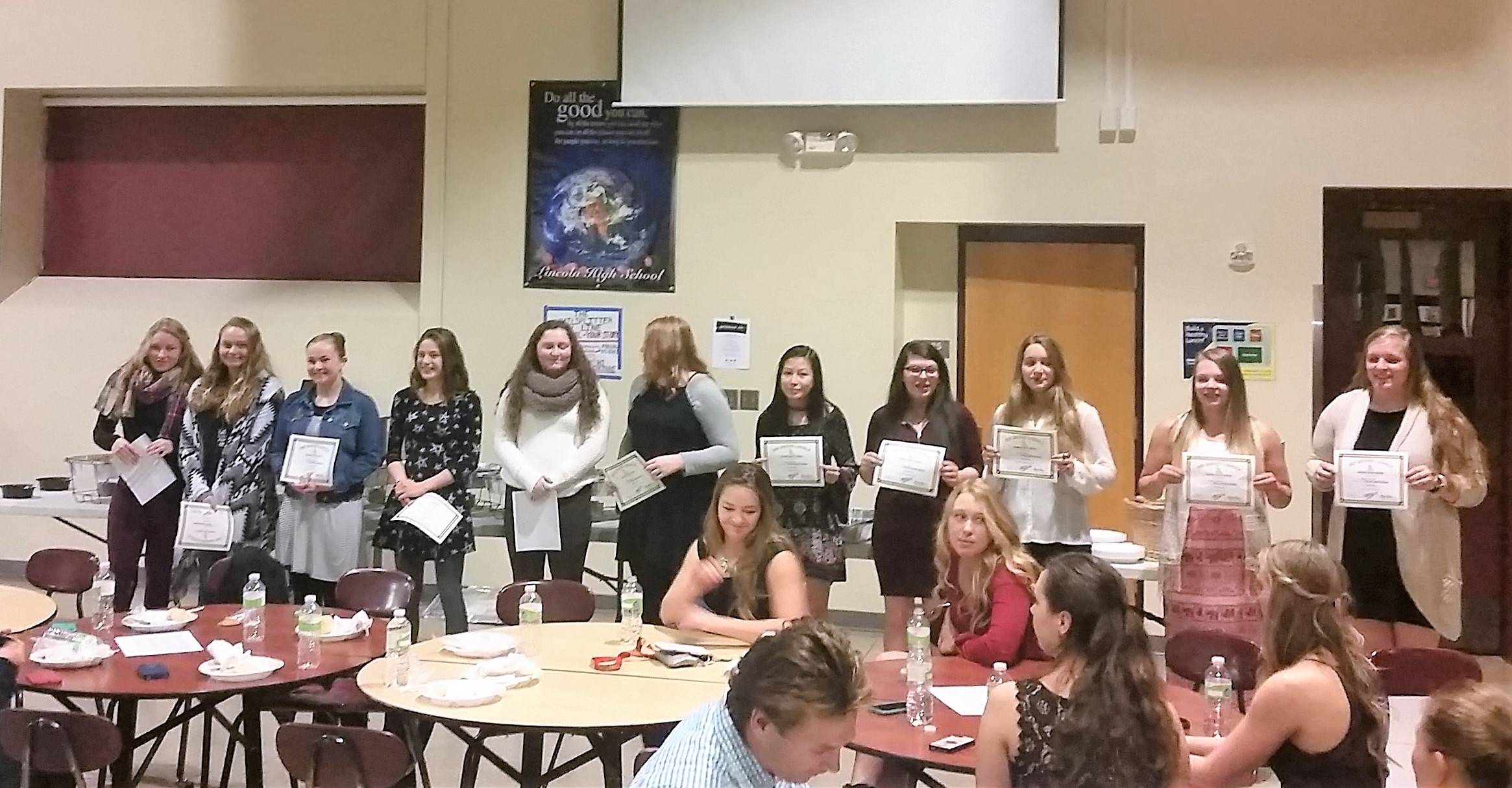 2016-nov8-team-banquet-jv-letter-winners